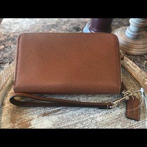 Brown Coach NWT New Tri Fold Zip Wallet Women's